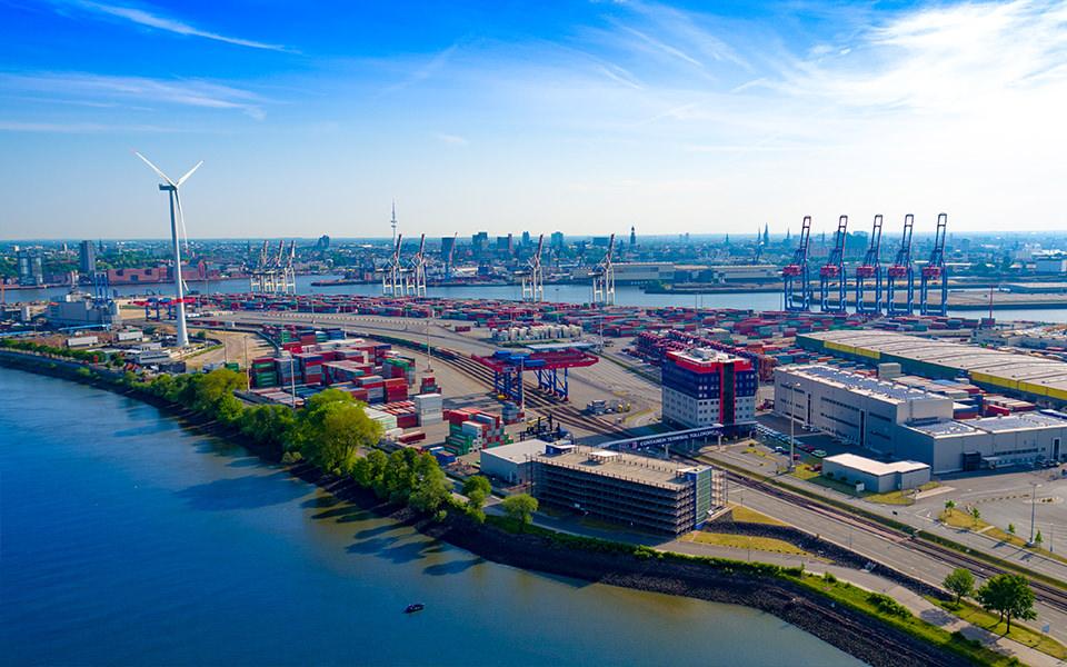 Container Umschlag Hafen - Hamburg - Luftbild Skyline
