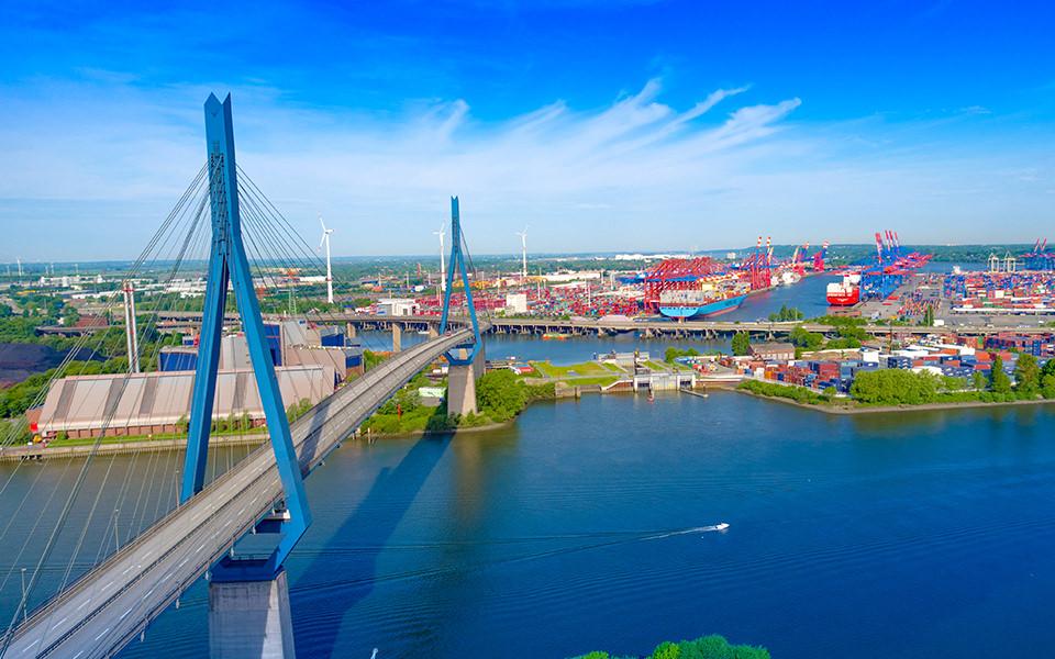 Köhlbrandbrücke Luftbild Skyline - Hamburg Drohne